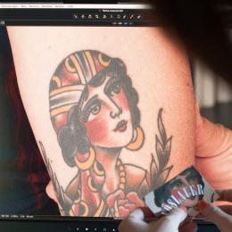 Rocco's Tattoo auf Vöslauer Sondereditionsflaschen